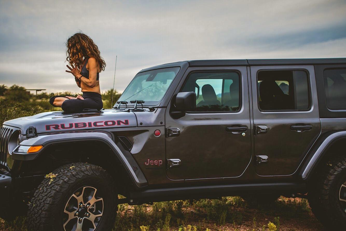 julie_on_jeep_1